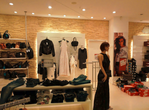 Home yeans halle for Outlet store karlsruhe